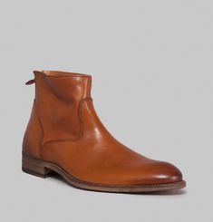 6834 Boots