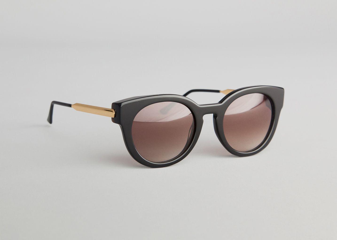 lunettes de soleil magnety thierry lasry noir en vente chez l 39 exception. Black Bedroom Furniture Sets. Home Design Ideas