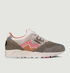 Aria Sneakers
