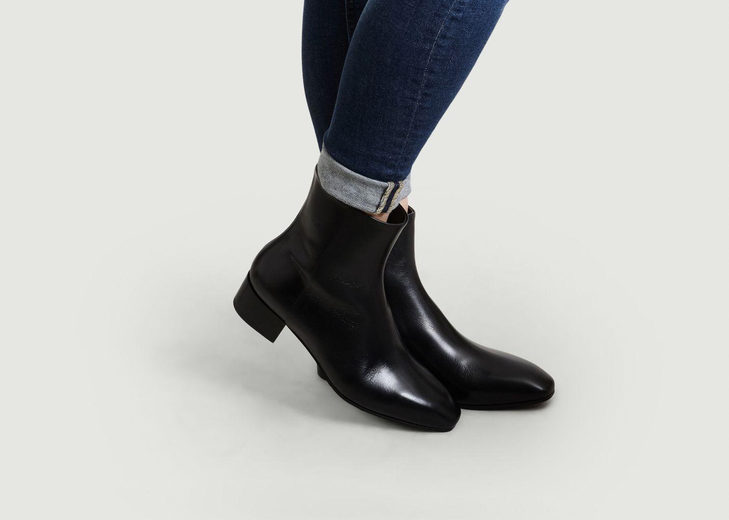 d73c08494e089e Naomi Boots Black Aeyde
