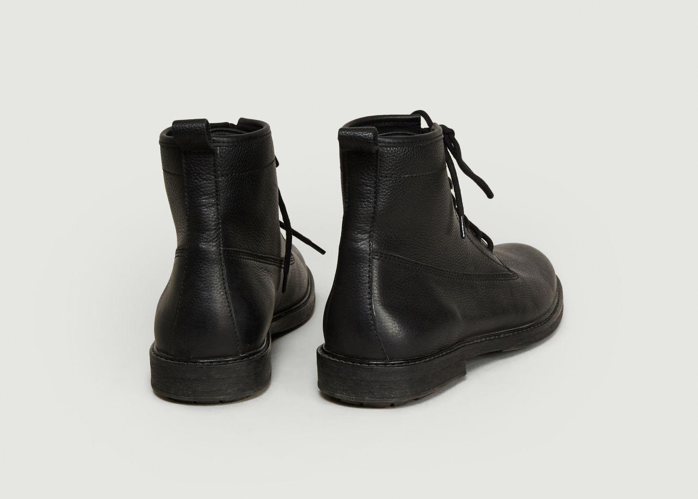 Boots Quebec - agnès b.