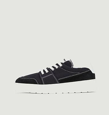 Sneakers Friend of the Heart Sneakers