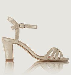 La Ravie shiny leather sandals