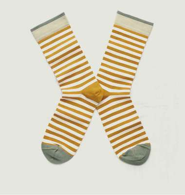 Striped socks with contrasting edges