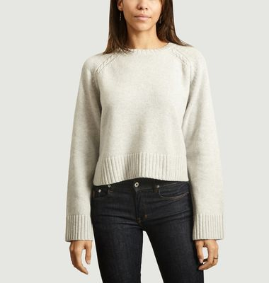 Pull Alvia coupe cropped manches torsadées