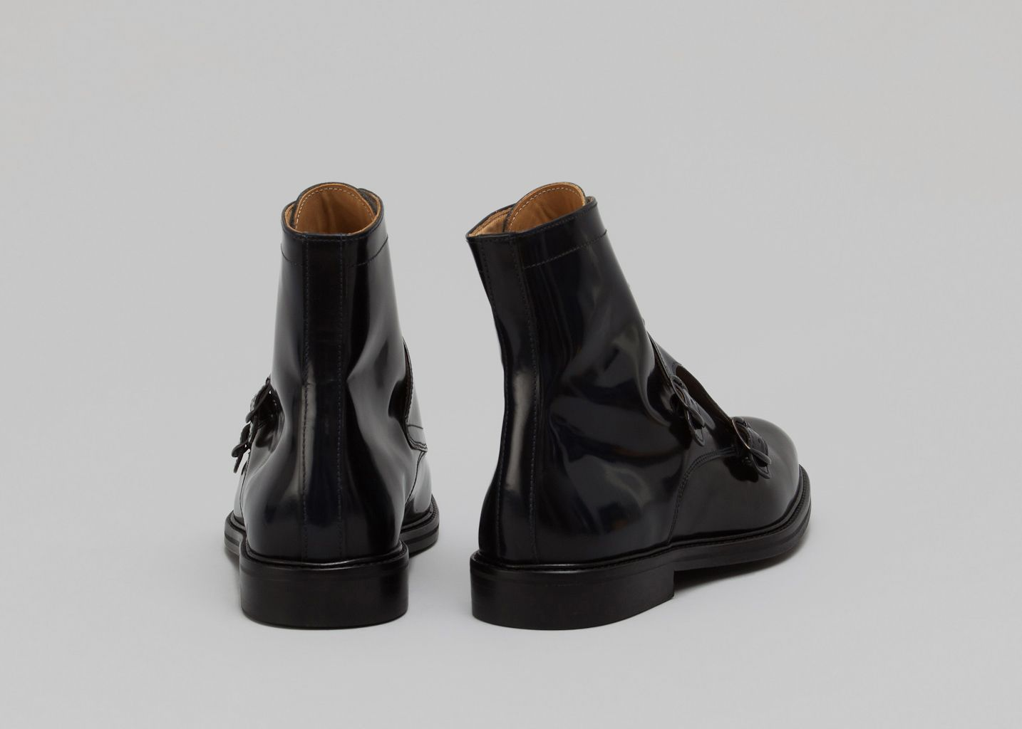 Bottines en Cuir Abrasivato Noir Carven   L Exception d6ece472b0f