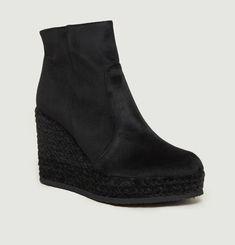 Qupid Velour Boots