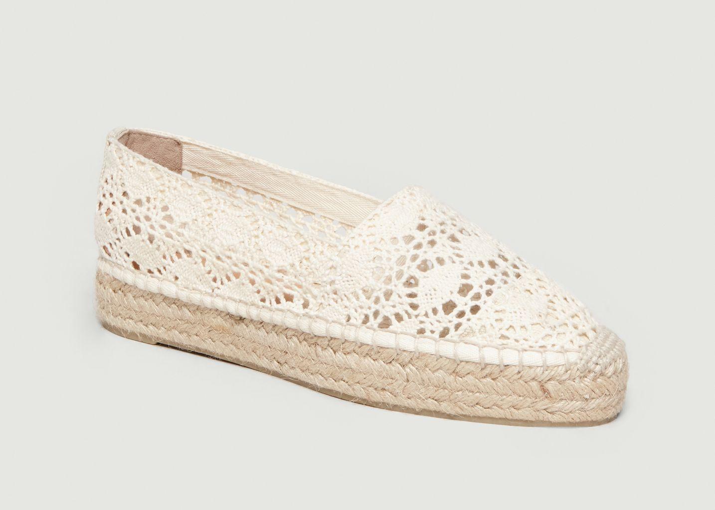 6f40718ce47537 Espadrilles Plates En Crochet Kenda Ivoire Castañer | L'Exception