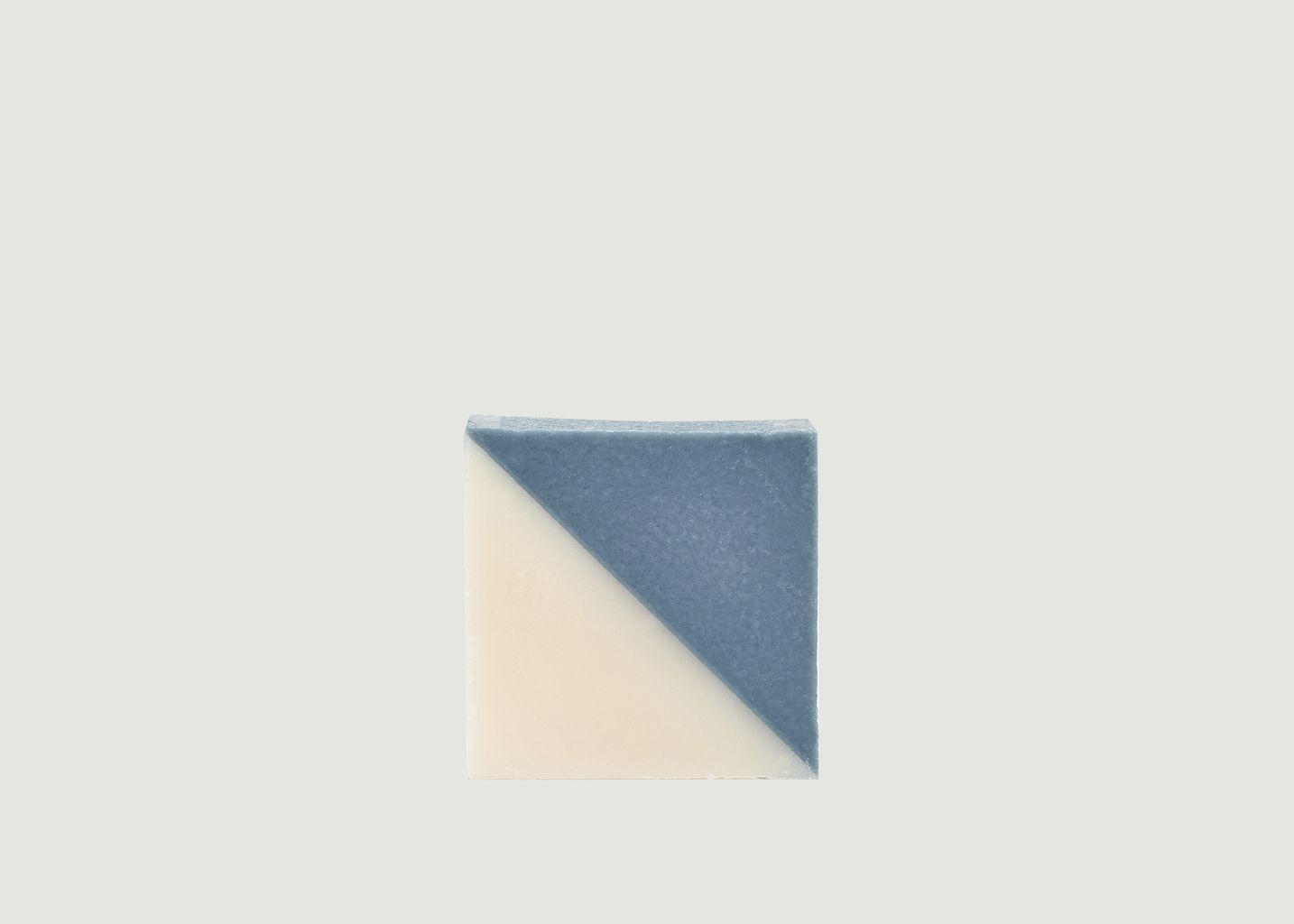 Savon Triangle Végétale Aquatique - Ciment Paris
