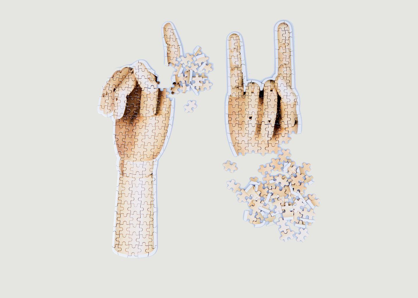 Slow Puzzle Hand - Doiy