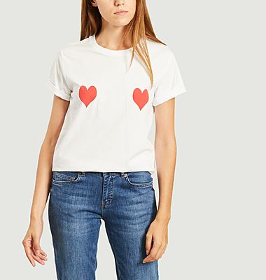 T-shirt with red hearts