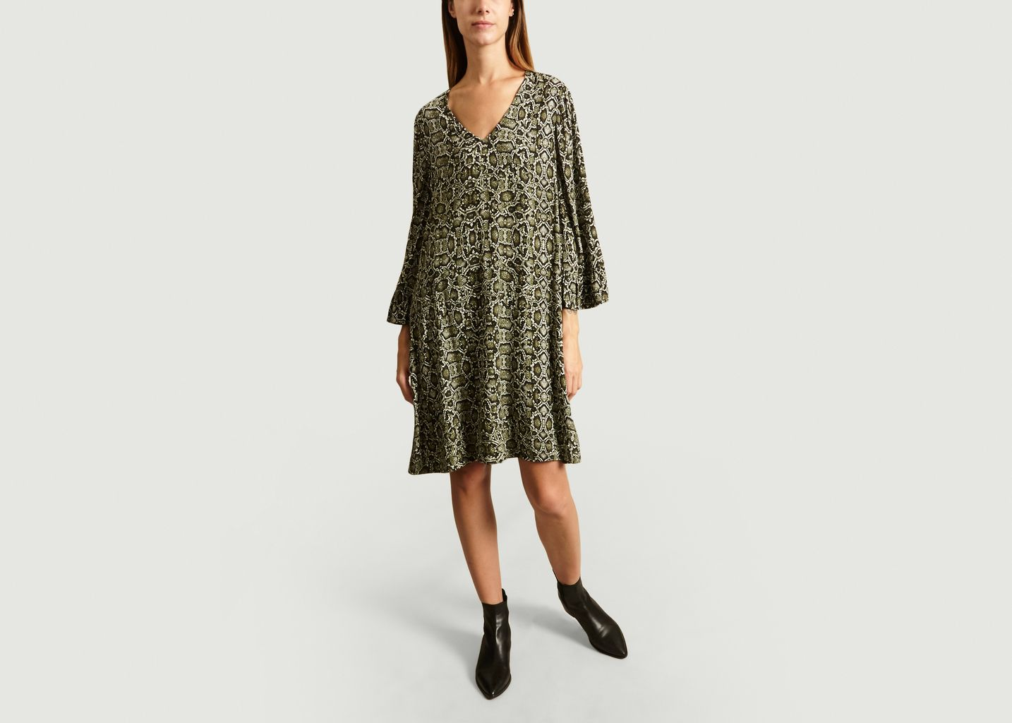 Robe Loose Motif Serpent Temco - Essentiel Antwerp