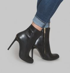 Crown Ankle Boots