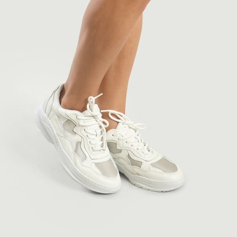 Low Fade Cosmo Mix Trainers White