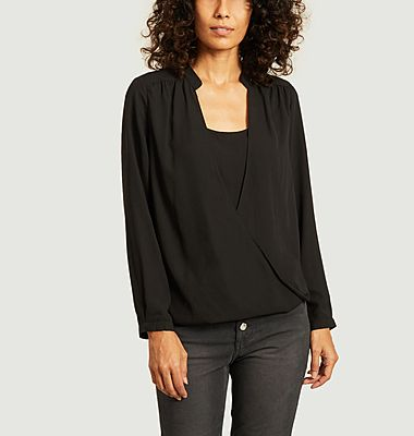 Charina Blouse Pleated Details