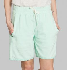 Friday 11h05 Bermuda Shorts