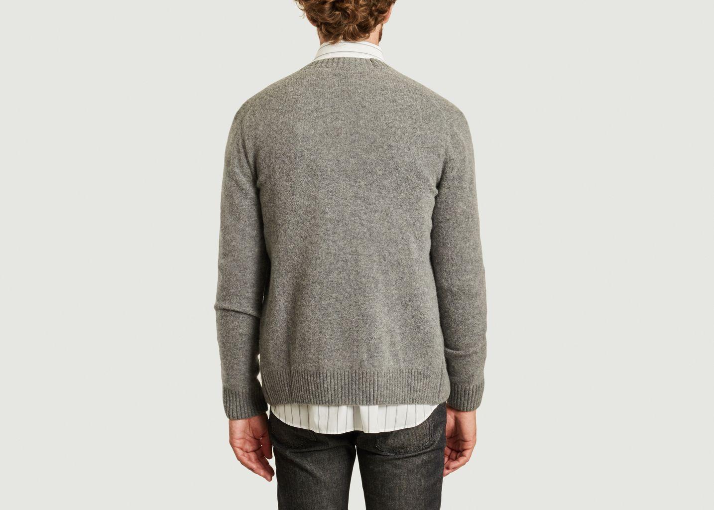 Cardigan en laine d'agneau renard profil - Maison Kitsuné