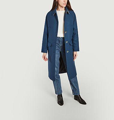 Dynamischer langer Mantel