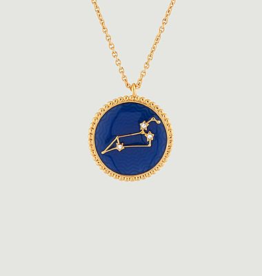 Leo astrological sign necklace with pendant