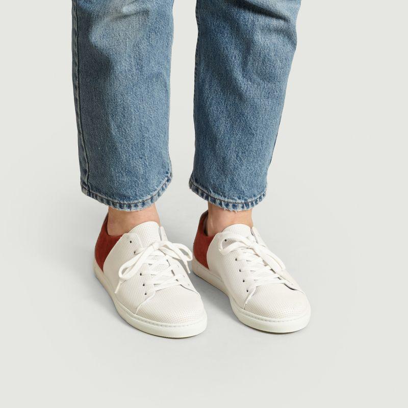 Sneakers en cuir perforé René - M. Moustache