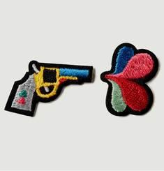 Lot De 2 Écussons Gun + Fleur