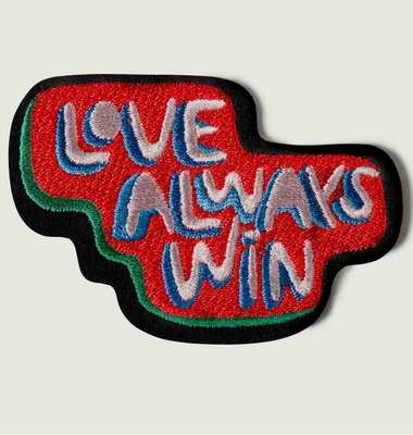 Écusson Love Always Win