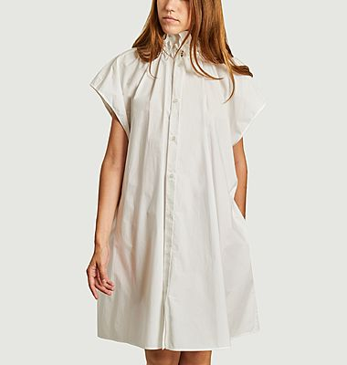 Buttoned cape dress with short sleeves
