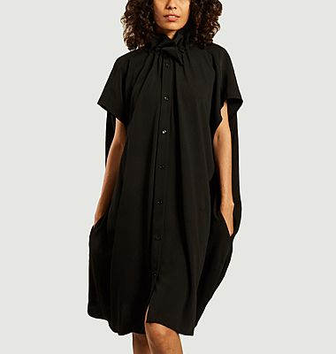 Buttoned short sleeves cape dress
