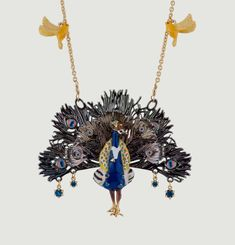 Nicely Happy Peacock Necklace