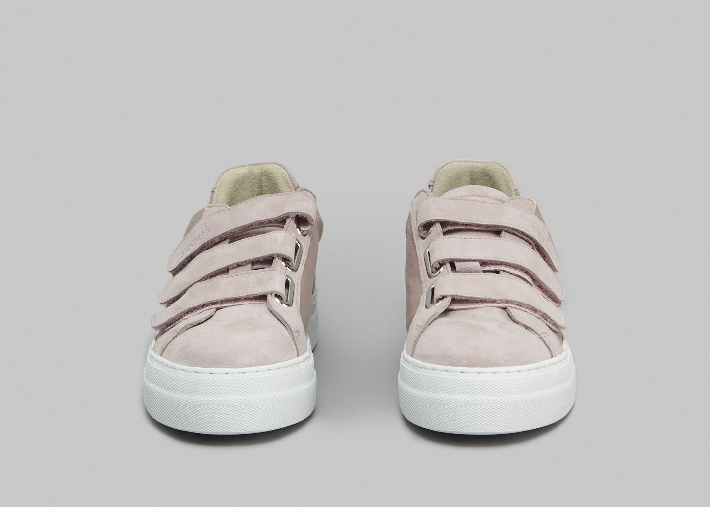 Sneakers Edition 44   - National Standard