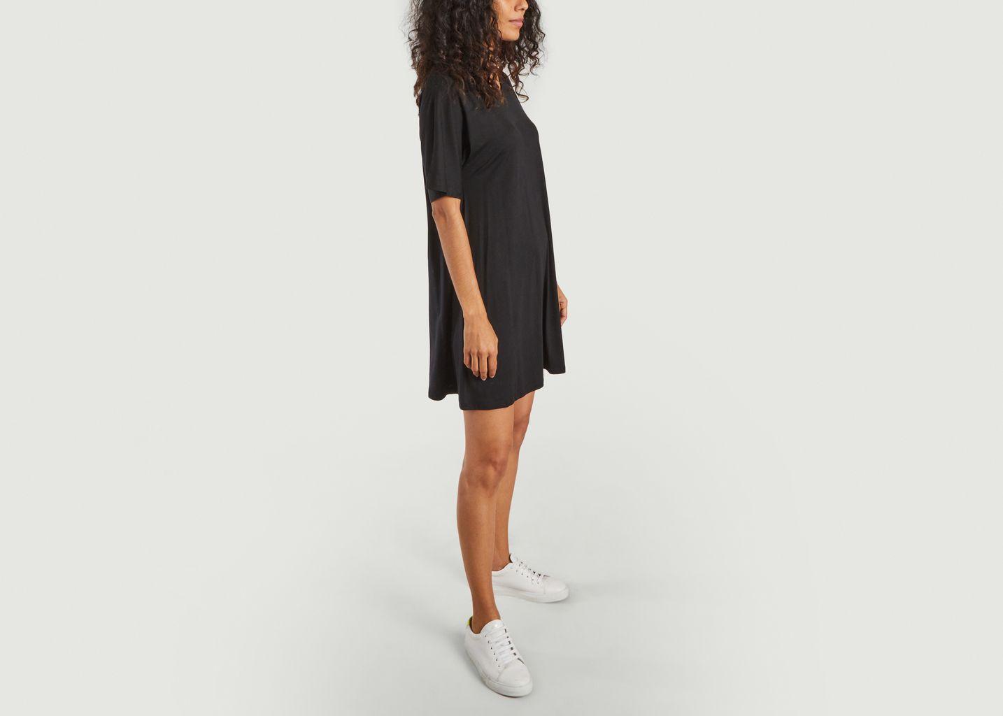 Robe t-shirt noire légère en tencel - Organic Basics