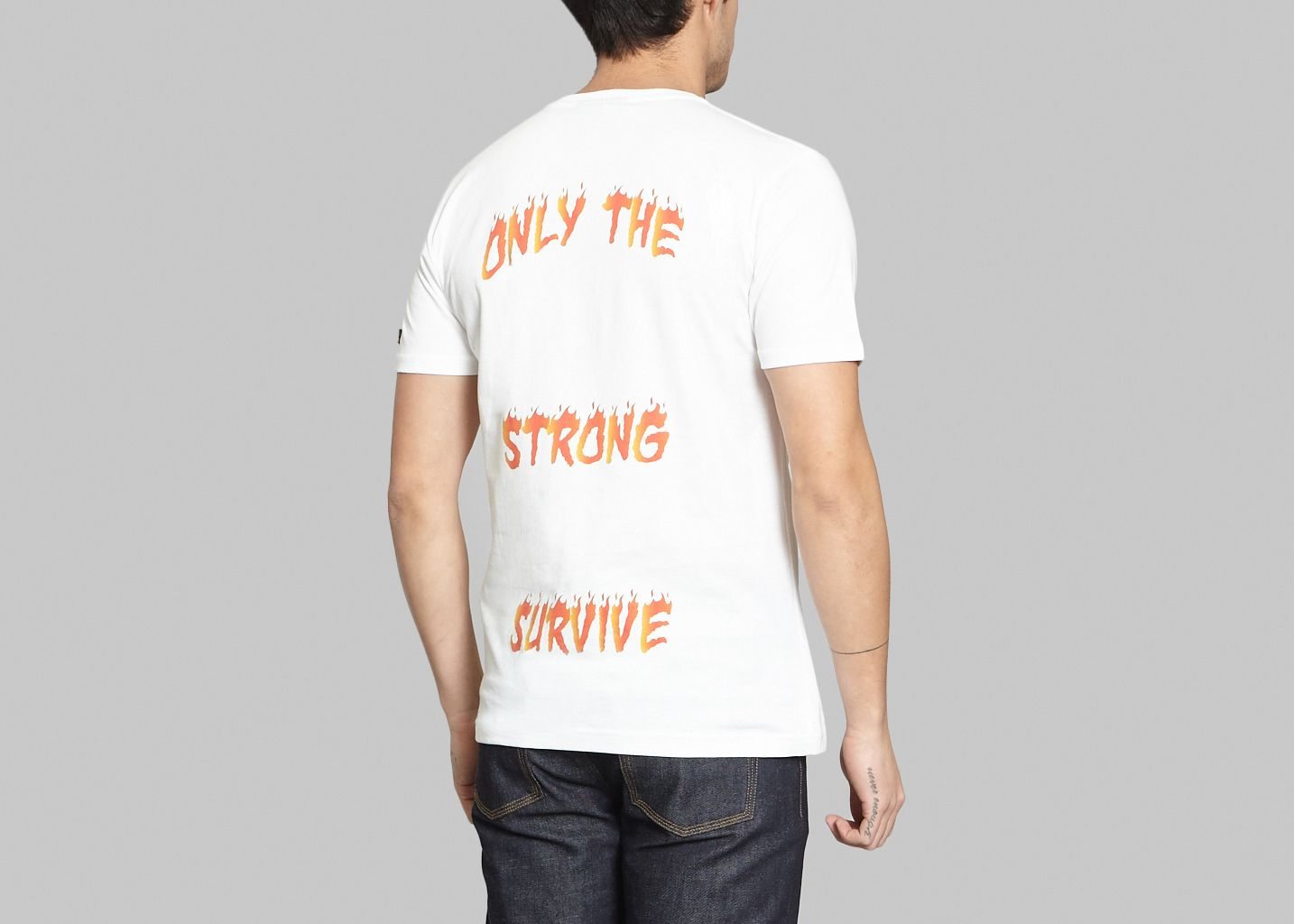 T-shirt Only The Strong Survive - Quatre Cent Quinze