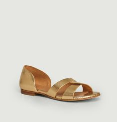 N°35 cracked leather sandals
