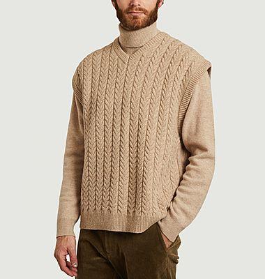 Pull sans manche à torsades en laine Wyatt