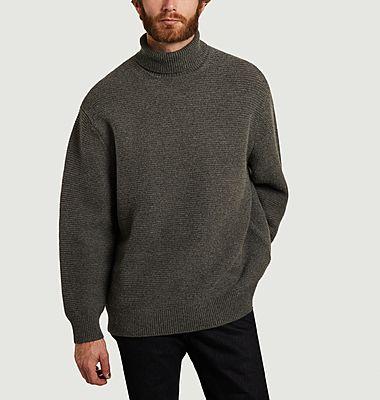 Pull col roulé coupe relax en laine et coton Colton