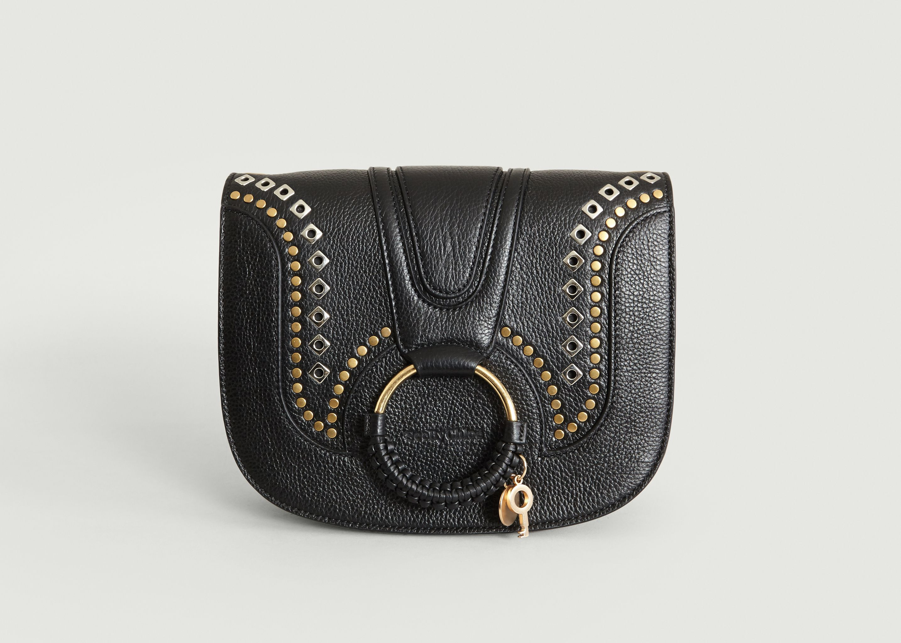 6544048df34bd Sac Hana Medium Studs Noir See by Chloé
