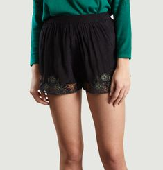 Ilha Embroidered Shorts