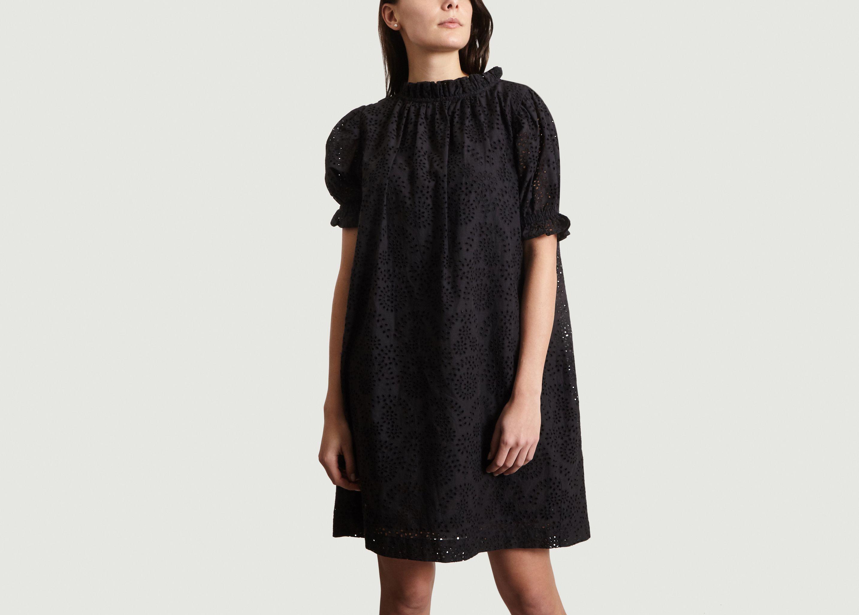 5fc781e75b4 Robe En Broderie Anglaise Framboise Noir Soeur