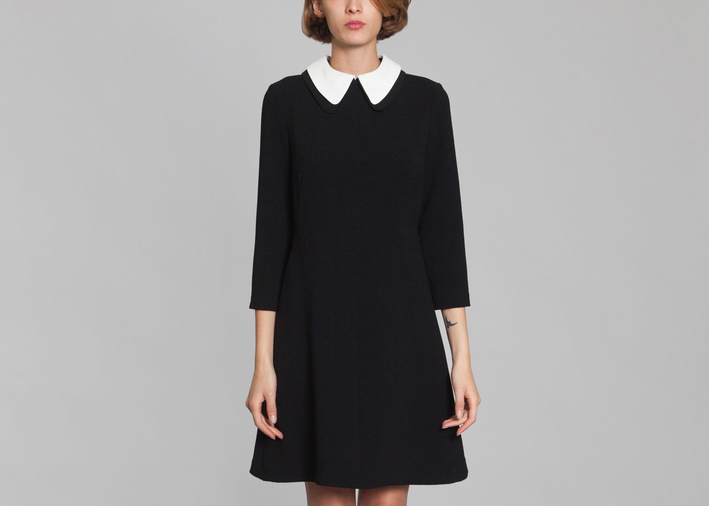 robe col blanc tara jarmon noir l 39 exception. Black Bedroom Furniture Sets. Home Design Ideas