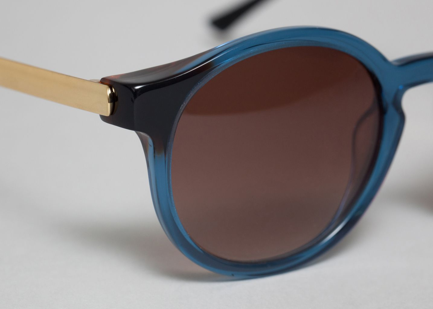 lunettes silenty thierry lasry bleu marine l 39 exception. Black Bedroom Furniture Sets. Home Design Ideas