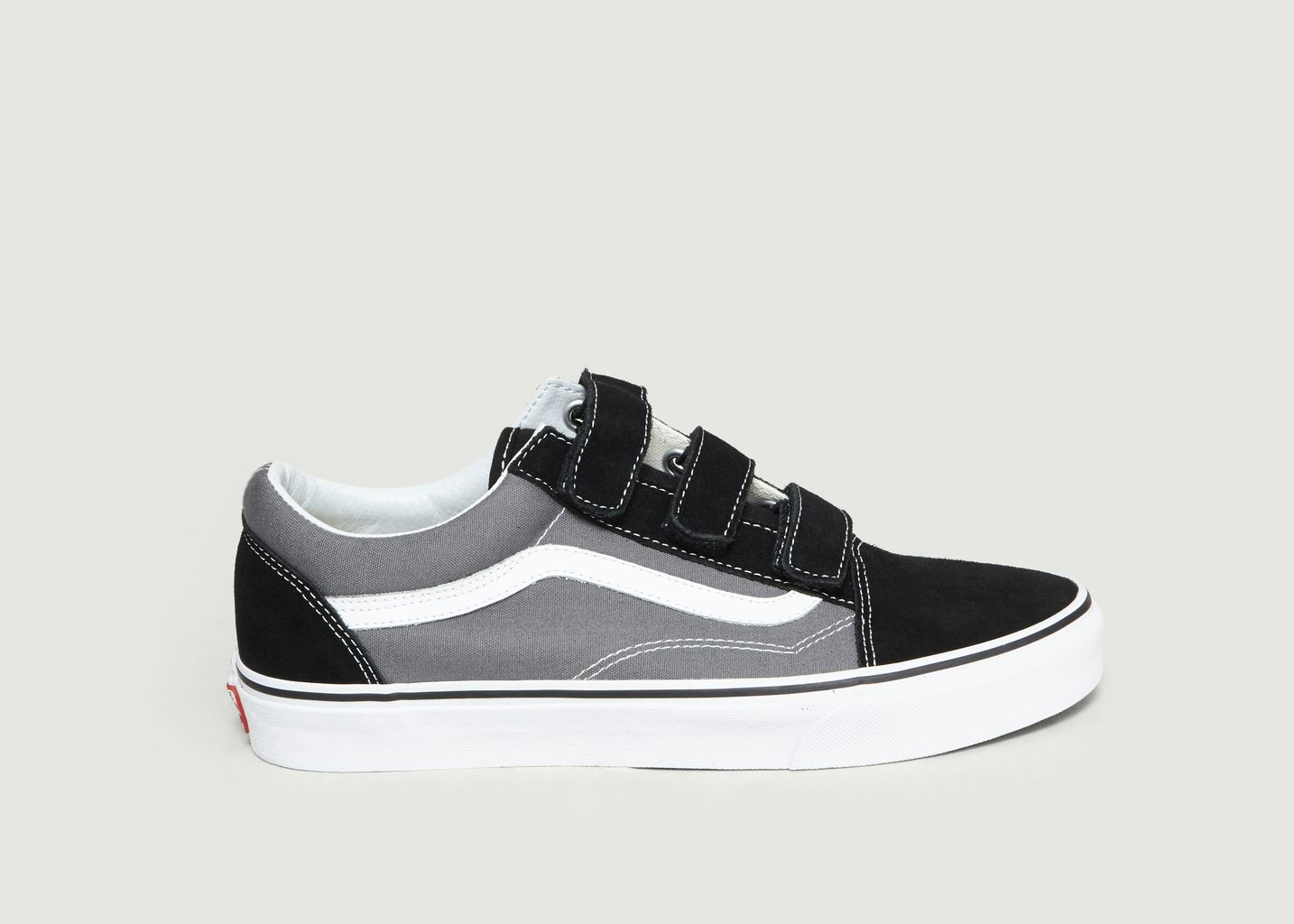 c21569cfb7 Old Skool V Skate Shoes Black Vans