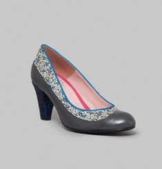 Roulemapoule Court Shoes