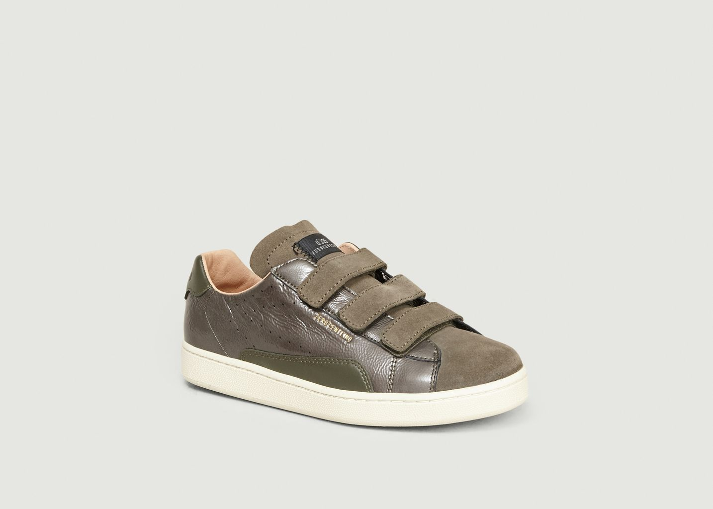 Sneakers A Sratch Stan - 0-105